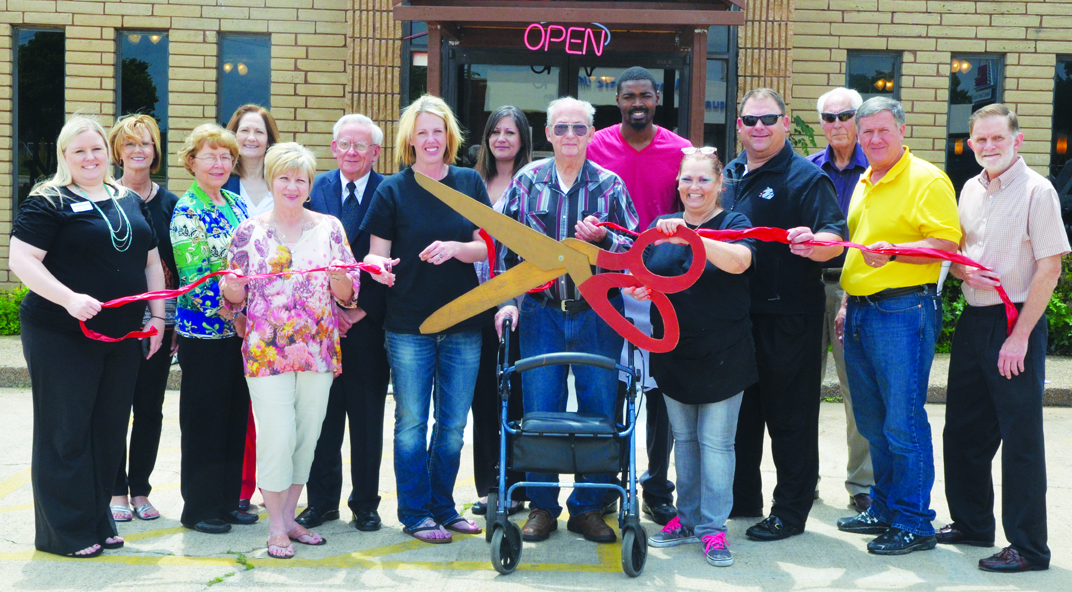 Sarges Restaurant Ribbon Cutting